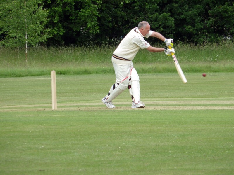 Simon-at-the-crease.jpg